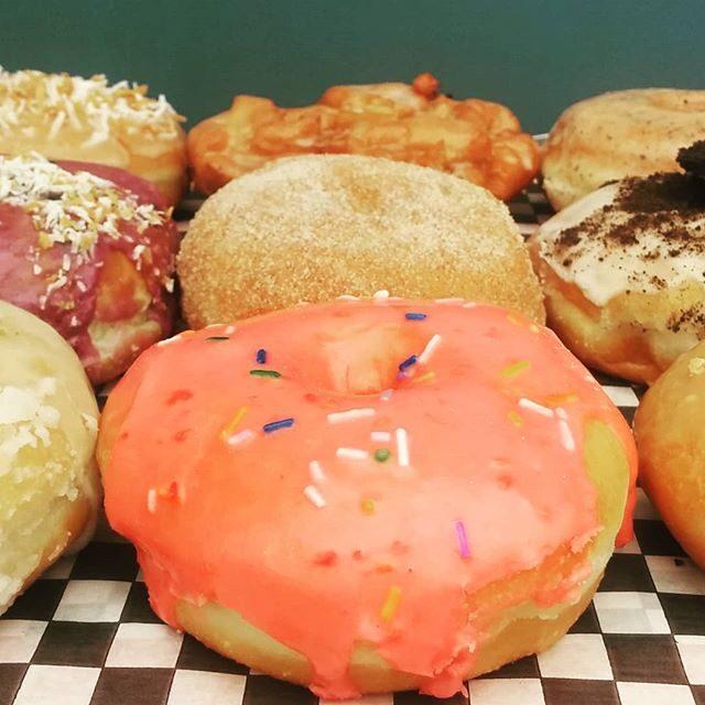 Machino Cafe Vegan & Traditional Donuts